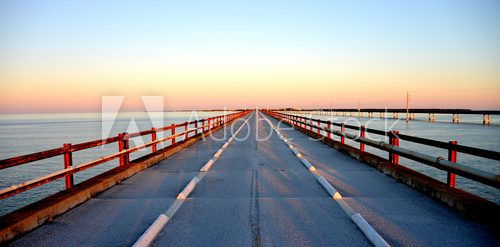 Fototapeta Sunset over Seven Miles Bridge